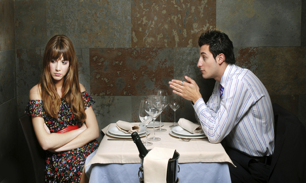 date-going-wrong-at-dinner-600x360